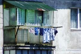 Neplatiči a dlužníci v bytech vás mohou připravit i o střechu nad hlavou!