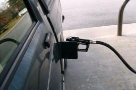 Americká auta musí začít šetřit benzín, ´nařídil´ jim to prezident Obama