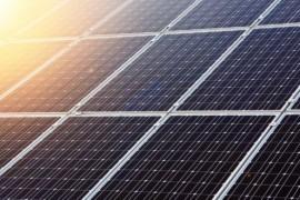 Španělé mohou své elektromobily ,natankovat´ na solární dobíjecí stanici