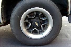 Výrobci začínají štítkovat pneumatiky, informace na štítcích nejsou dostačující