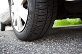 Rizika, která ohrožují pneumatiky ve vysokých letních teplotách