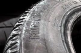 Test pneumatik: jen některé jsou zárukou bezpečí
