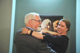 Robert Fulghum visits premiere adaptation of his novel Hold me tight, love me gently