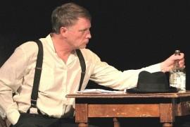 Vladimir slut on stage Smíchovské