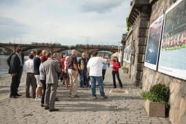 Prague waiting Primátorky anniversary, celebrated rowers on the river Vltava hundred years