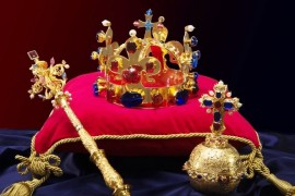 Exhibition of Czech crown jewels Six Chick