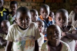 In the Congo grew up two schools for 600 children, bricks manufactured villagers