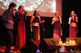 Yellow Sisters gives a live concert