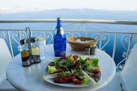 With a wooden spoon around the world - Greek Cuisine