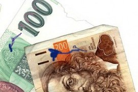 Torn banknotes traders may not refuse
