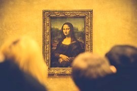 Selfie on the Mona Lisa to let go taste