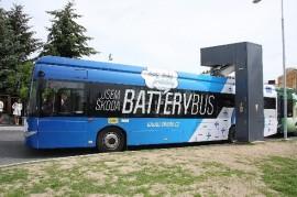 Elektrobus Skoda thanks to fast charging stations recharge in ten minutes