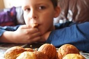 Food allergies along with eczema steal children kilos and centimeters