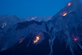 Festival of lights in the Tyrol or the Zugspitze in flames