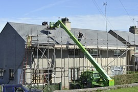 Construction and reconstruction of houses increasing, so popular are roof repairs