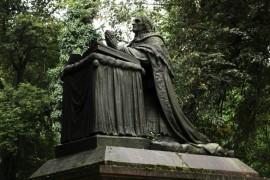 Malostranský cemetery - a place still alive
