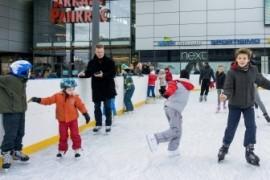 The biggest outdoor ice rink in Prague skating season starts