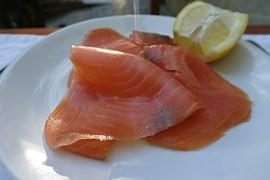 "Norwegian salmon contain toxic pesticides, but ""underwent liposuction"""