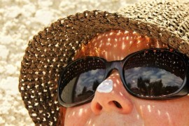 How to protect your eyes from the sun? Not just sunglasses!