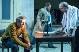 Bread breaking in Švanda's theater, play about friendship in times of non-freedom