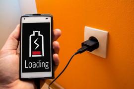Baterie prvních mobilů vážily jako jedenáctileté dítě